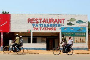 afrique artemisia vélo cyclotourisme médecine environnement éducation ONG vélo afrique rwanda burundi tanzanie kenya bike