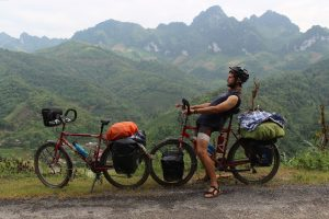 vélo cyclotourisme vietnam chine plateaux tibetains nord vietnam bombheros